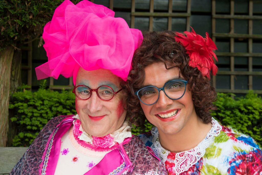 Carnaval in Limburg Clara Zoerbier en Maria Prumpeler